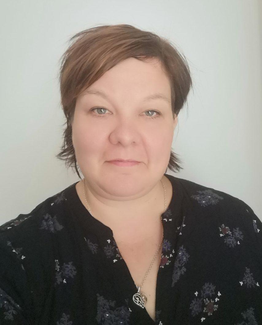 Annika Väihkönen kasvokuva.