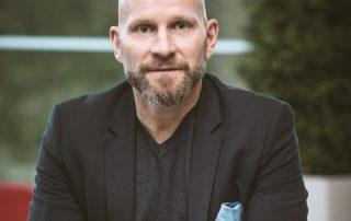 Unitohtori Henri Tuomilehto on nukkumisen asiantuntija.